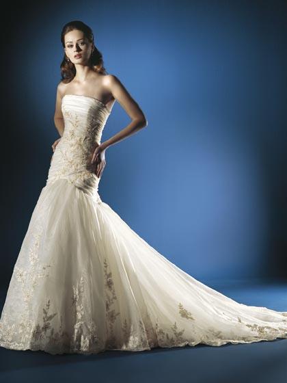Хмельницкий рынок: Образец свадебного платья №6